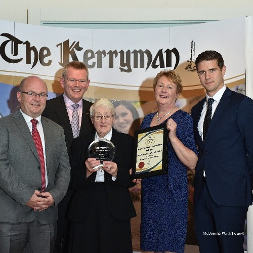 Bon Secours Hospital Tralee receives 'Best Social Corporate Responsibility Award' at the Kerryman Business Awards 2017!