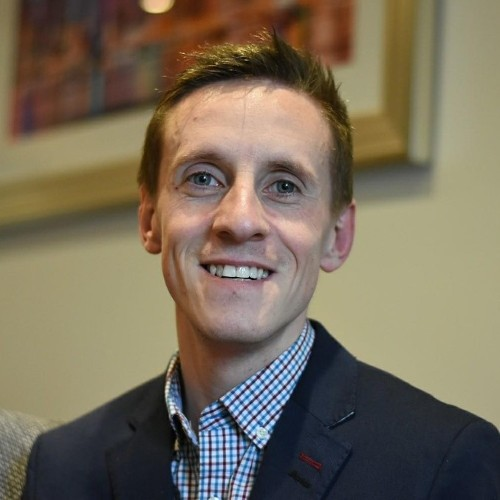 Dr Derek Griffin features on Radio Kerry's Terrace Talk to speak about pain management and long distance running